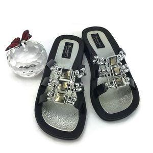 Grandco Silver black Flat Sandals Size 7